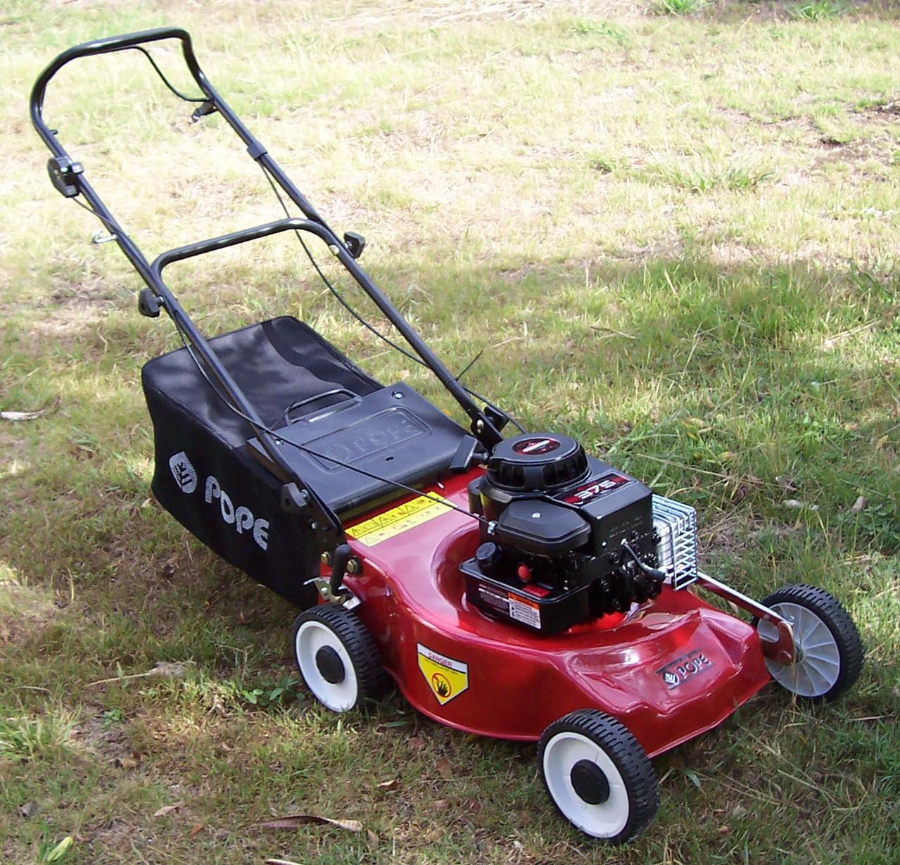 Maszyny, które ułatwią prace w ogrodzie