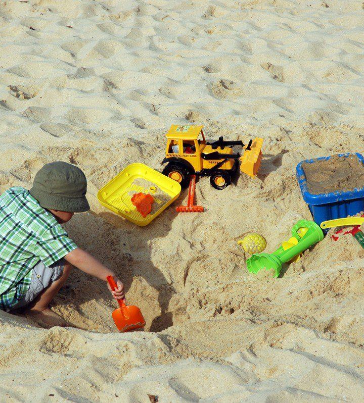 Wielofunkcyjne zabawki do piasku, które zmieścisz w swojej torebce
